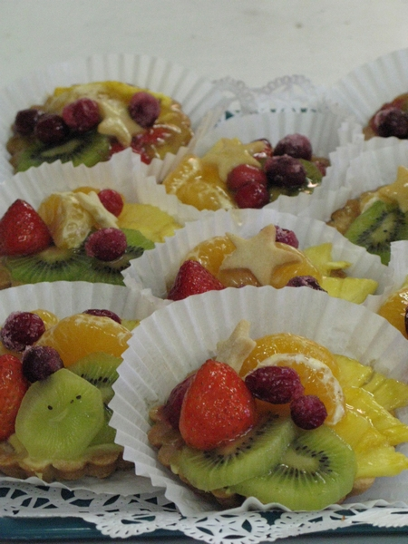 Gallery Image Fresh Fruit Tarts_1.jpg