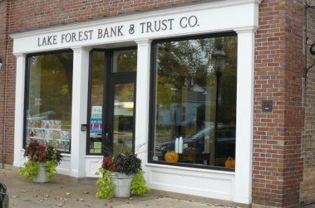 Lake Bluff bank location