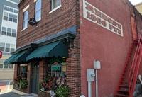 Reese's 1900 Pub