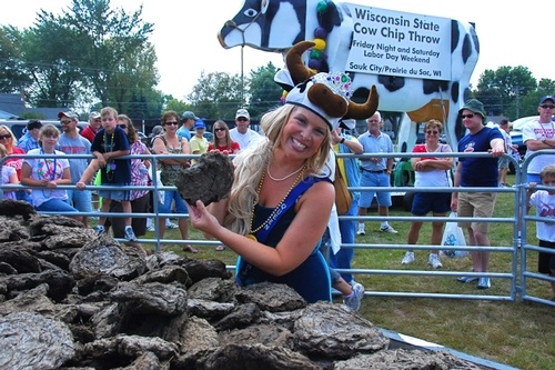 Gallery Image Wisconsin-Cow-Chip-Throw-in-Sauk-City.jpg