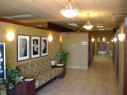 Gallery Image Salons%20For%20You_Hallway.JPG