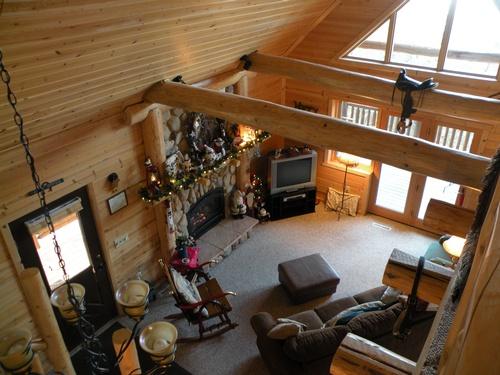 Gallery Image Cabin-5-Living-Room.jpg