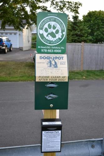 Wash N' Wags sponsor location at Cashman Park Newburyport, Ma. ''Thanks for cleaning up!''