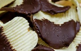 Gallery Image chocolate_chips.jpg
