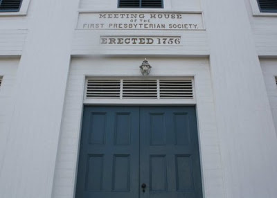 Gallery Image Whitefield_tomb_church.jpg