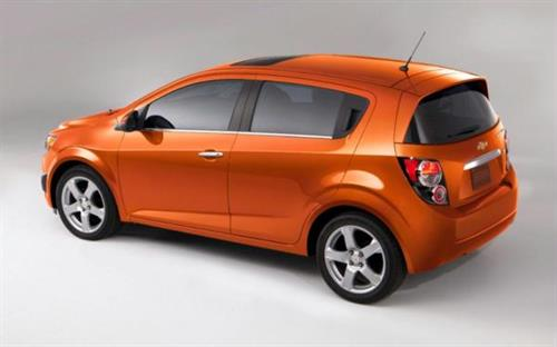 Gallery Image 2013-Chevrolet-Sonic-hatchback-side-rear-above-view-1024x640.jpg