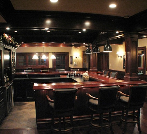Gallery Image lower-level-pub-600x550.jpg
