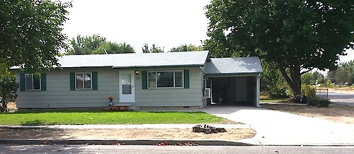 241 W 6th St Emmett - For Sale - call 871-0354