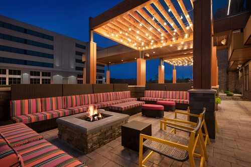 Gallery Image Outdoor%20Lounge%20with%20Firepit%20-%201400642.jpg