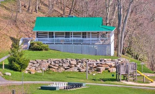 Gallery Image mountain-lake-lodge-pembroke-virginia-lodge.jpg