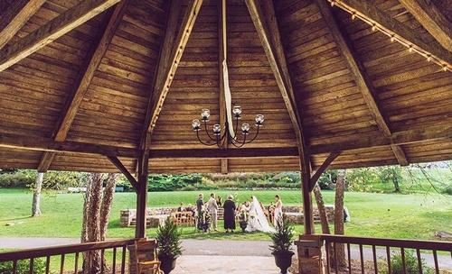 Gallery Image mountain-lake-lodge-pembroke-wedding-ceremony.jpg