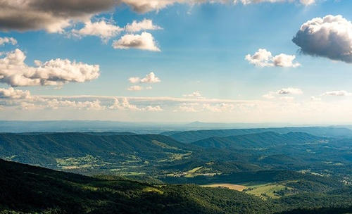 Gallery Image view-shot-of-mountain-lake-lodge-pembroke.jpg