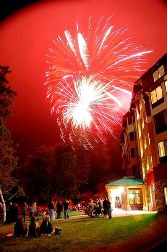 Gallery Image fireworks%20III%20(532x800).jpg
