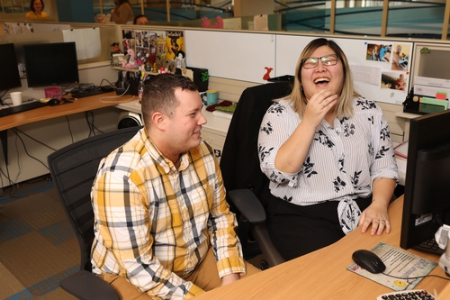 Gallery Image WEB_capcom_employees.jpg
