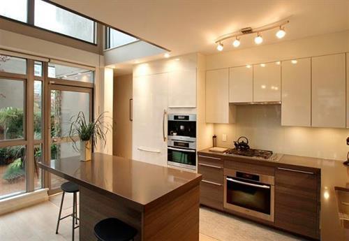 Gallery Image kitchen_01_060613-081146.jpg
