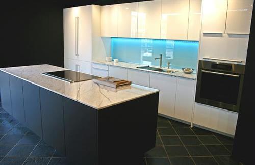 Gallery Image kitchen_20_060613-081412.jpg