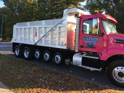 Gallery Image truck_100418-100951.jpg