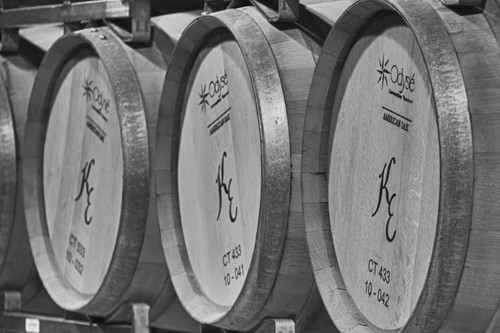 Gallery Image black_and_white_wine_barrels.jpg