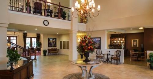 Gallery Image Retirement-Community-El-Dorado-Hills-600x309.jpg