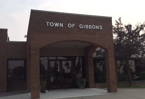 Gallery Image 2015_08_27_gibbons_townhall.jpg