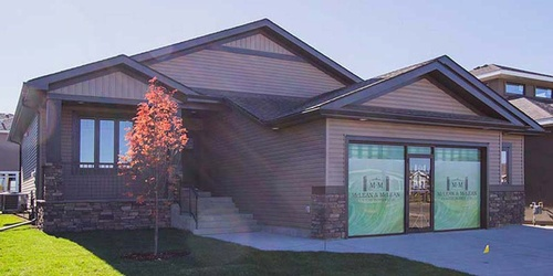 Gallery Image showhome-exterior-ent.jpg