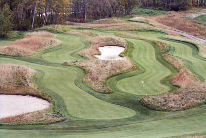 Gallery Image redtail-hole-putting-course-full.jpg