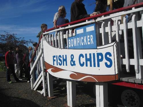 Gallery Image Bowpicker%20Fish%20and%20Chips%2010.15.10.%20credit%20Astoria-Warrenton%20Chamber%20(126)%20(Large).JPG