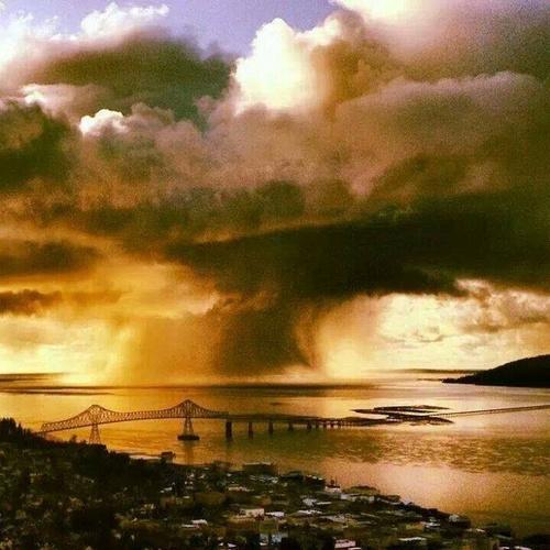 Gallery Image rain%20on%20the%20river.jpg