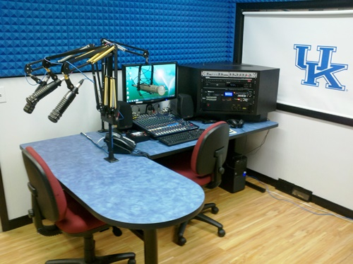 Gallery Image radio%20station%20picture2.jpg