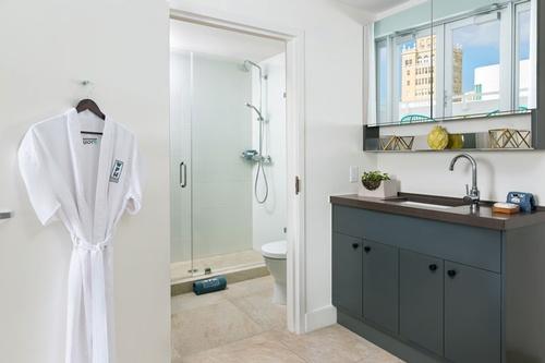Gallery Image WPH-1BR-Suite-Bathroom.jpg