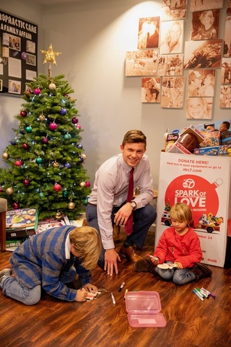 Gallery Image Nate_with_kids_1.jpg
