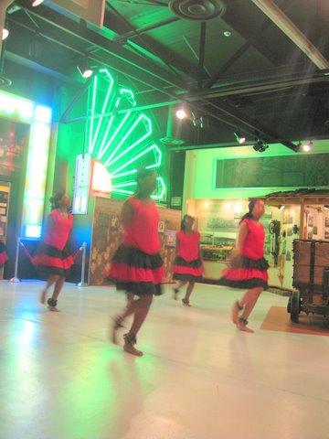 Gallery Image Zimbabwean_dancers0410.JPG