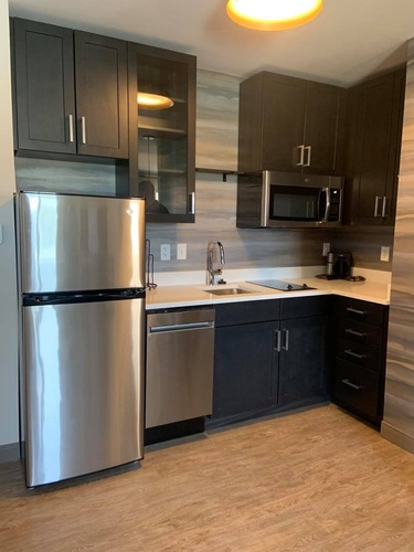 This Kitchenette has a dishwasher!
