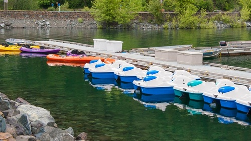 Gallery Image wallowa%20lake%20paddleboats_kayaks.jpg