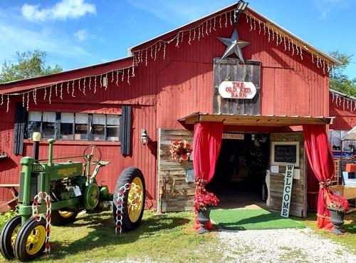 The Old Red Barn in Geneva