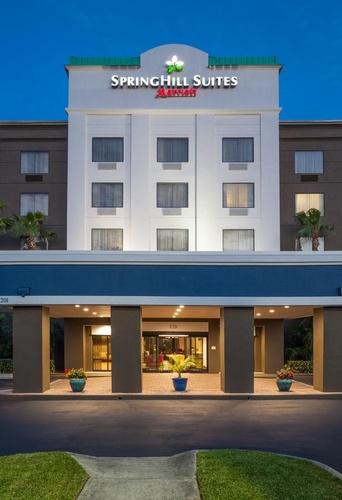 Springhill Suites Sanford Hotel Entrance