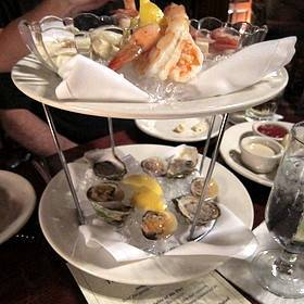 Gallery Image seafood%20tower.jpg