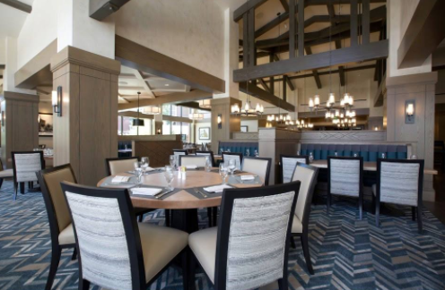 The Silver Pine Restaurant and Bar, a modern Flagstaff eatery embracing traditional roots. Enjoy casual ambiance and a full menu of Little America Hotel favorites.
