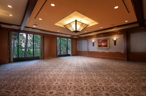 Whether you're bringing together a small group of executives or an entire organization, our contemporary meeting and banquet facilities can comfortably accommodate you.