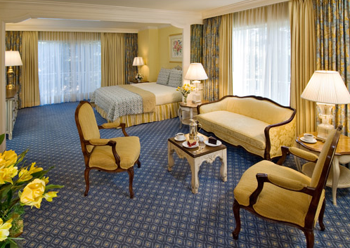 From our cozy Queen rooms to our apartment and presidential suites we have a room to fit your needs