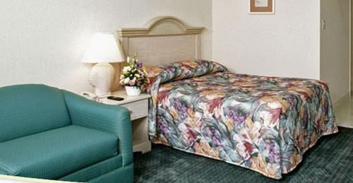 Gallery Image Biscayne%20room_main.jpg