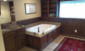 Gallery Image 278_Marty_s_Bath_Tub.JPG