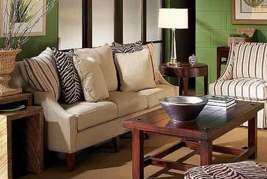 Gallery Image FA02-furniture-accessories-home-decor_250320-100137.jpg