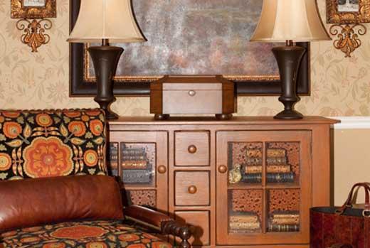 Gallery Image FA06-furniture-accessories-home-decor_250320-100211.jpg