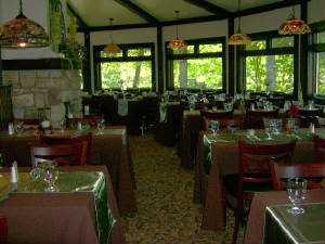 Gallery Image Alpen%20Restaurant%20and%20Bar%20Beech%20Mtn.%20NC.jpg