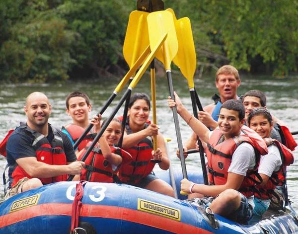 Gallery Image watauga_river_paddles_family_fun.jpg