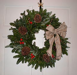 Gallery Image wreath2_2013a.jpg