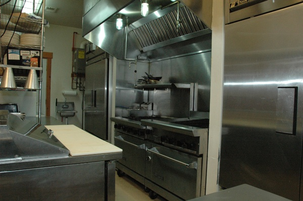 Gallery Image Lazy%20Bear%20Lodge%20Kitchen_0005.jpg