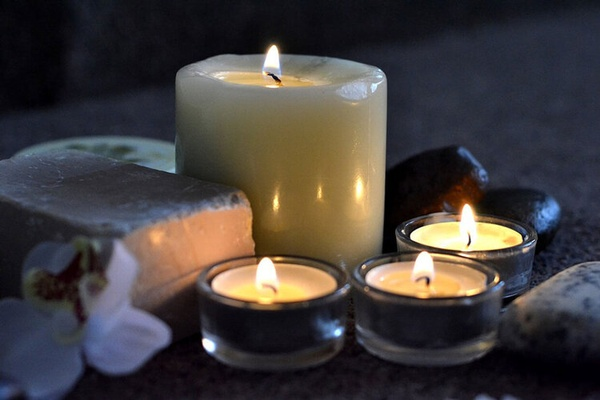 Gallery Image candles.jpeg