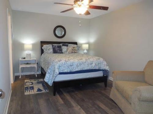 Gallery Image bedroom%202.JPG